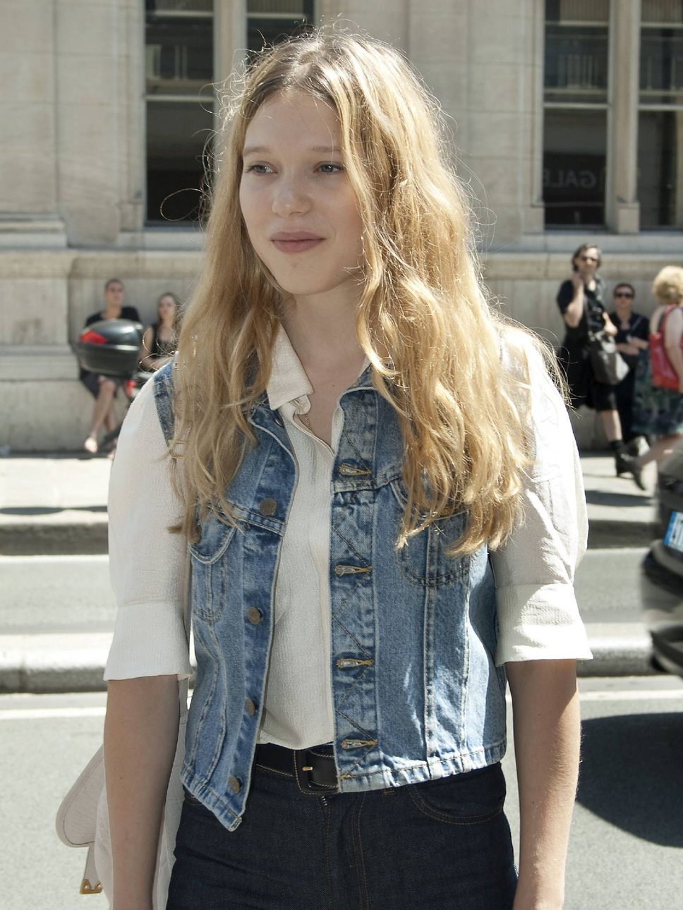 Lea Seydoux In Elle Magazine France February 2014 Issue: 301 Moved Permanently