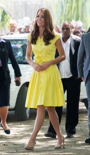 Kate-Middleton-in-Yellow-Jaeger-Shirtdress-at-the-Prime-Ministers-Office-Visit--450x775