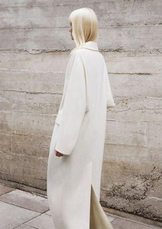 white coat total look white street style fashion mode