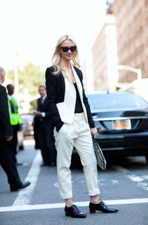 white and black look spring street style fashion moda style heelsandpeplum