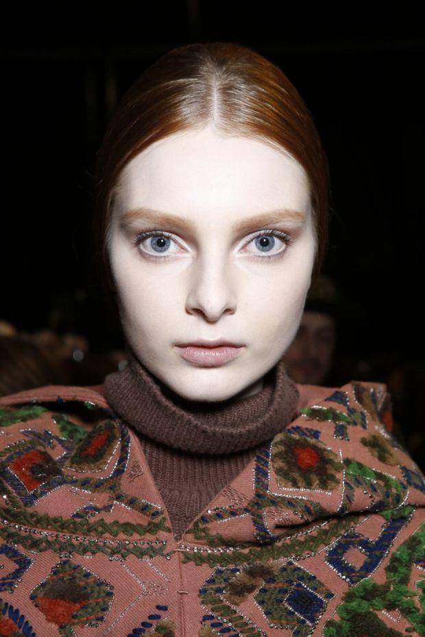 valentino fw14 backstage hair makeup heelsandpeplum fashion
