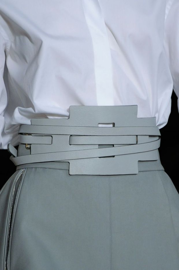 tod's 2014 belt grey and white fashion moda heelsandpeplum