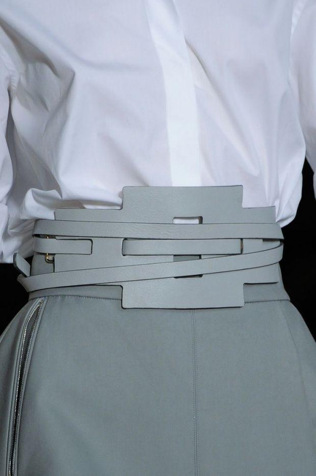 tod's 2014 belt grey and white fashion moda heelsandpeplum