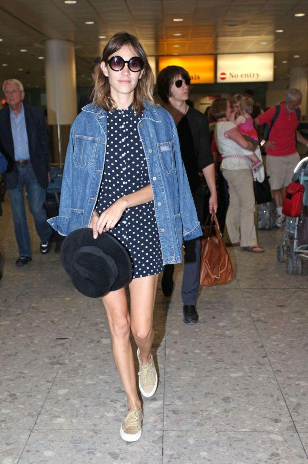 street-style alexa chung denim jacket oversized fashion moda trend