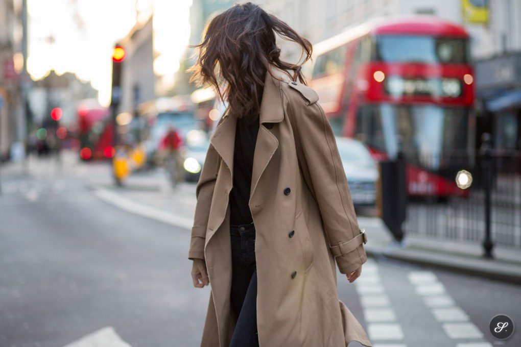 leila_yavari_street_style_trench_coat_lfw
