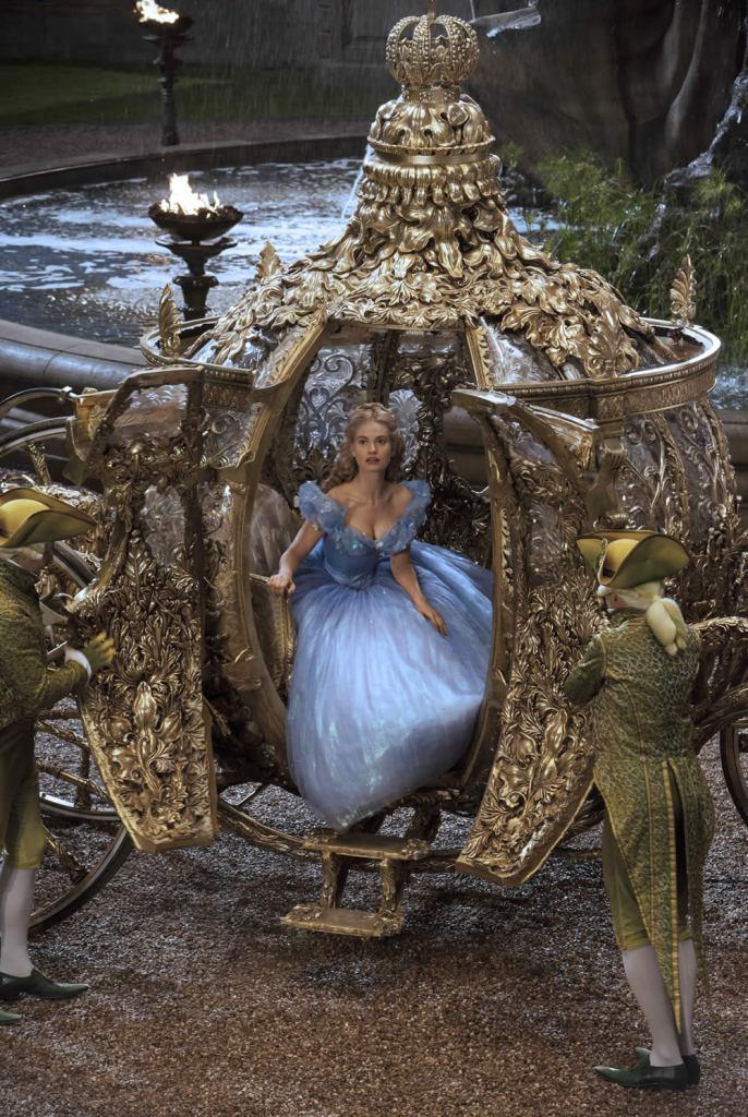 cinderella-Disney-LilyJames-CateBlanchett-SandyPowell-costumedesign-fashion-cinema-heelsandpeplum