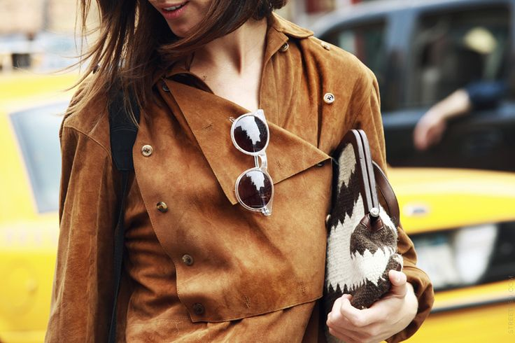 street style  suede Trend alert fashion suede 15 heelsandpeplum