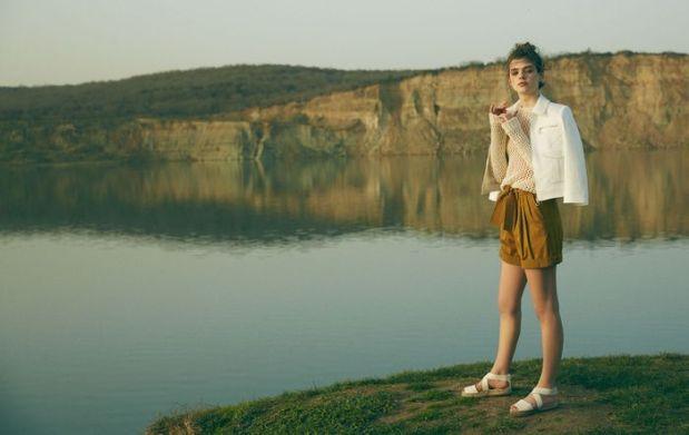 fashion-editorial-2015-LeaHaesaert-AhmetUnver_AllMagazine_heelsandpeplum