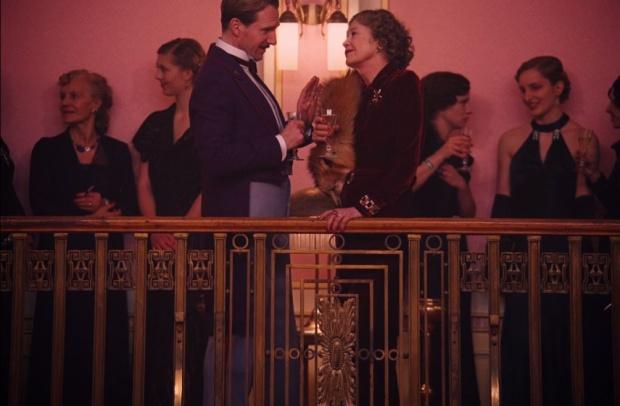 Grand Hotel Budapest Ralph Phiennes M. Gustave costume heelsandpeplum 2