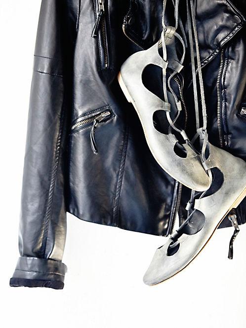lace up flats fashion trend heelsandpeplum 2