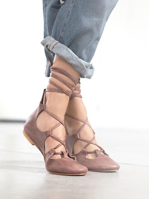 lace up flats fashion trend heelsandpeplum 3