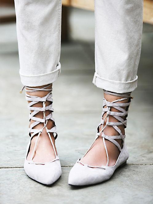 lace up flats heelsandpeplum fashion 5