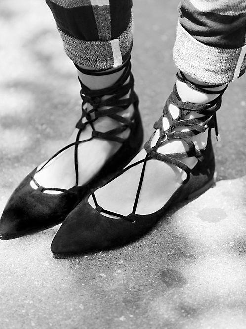 lace up flats heelsandpeplum fashion 7