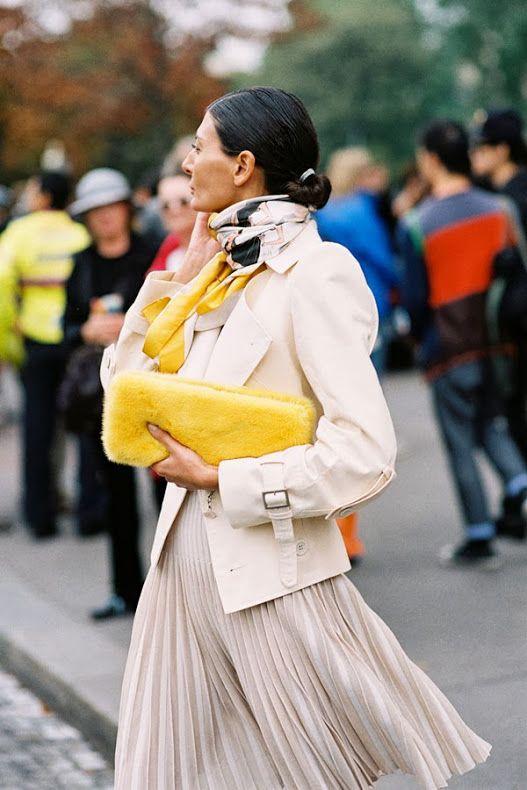street style pleated skirt  elegance sophistication heelsandpeplum blog