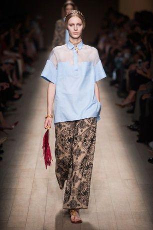 streetstyle blue shirt heelsandpeplum ways to wear valentino