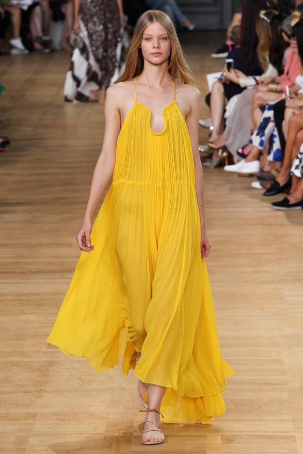 chloe-ss15-yellow-gauze-long-trapeze-dress heelsandpeplum