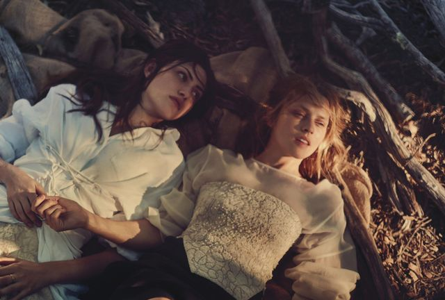 Vogue_Australia_Lost_in _time_May_2015_11