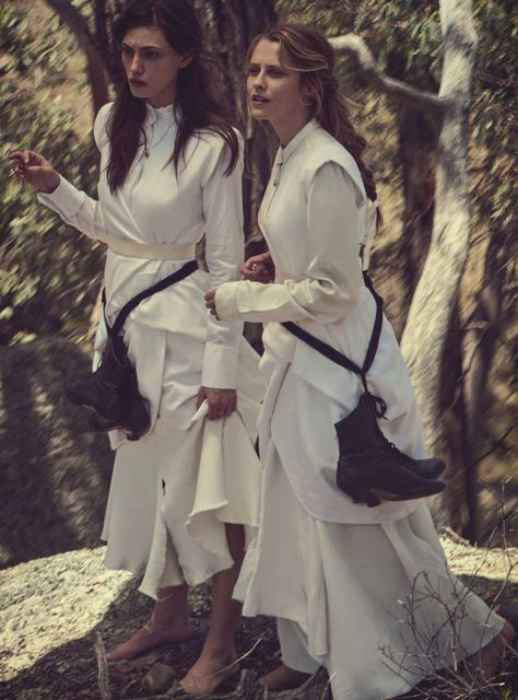 Vogue_Australia_Lost_in _time_May_2015_5
